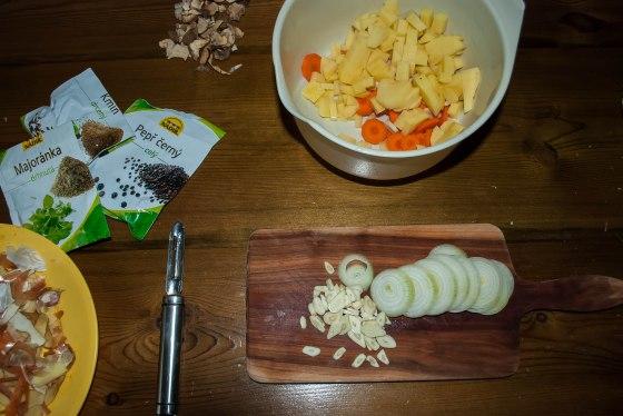 bramborova polevka krajeni zeleniny